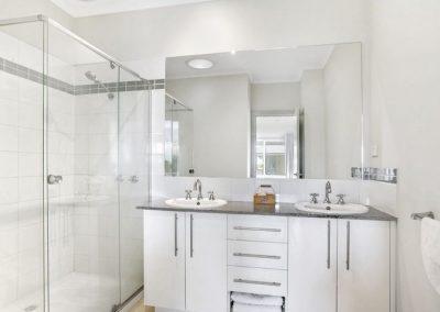 bathroom_bonbeach2